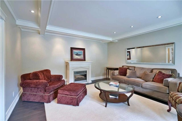 Detached at 215 Weybourne Rd, Oakville, Ontario. Image 19