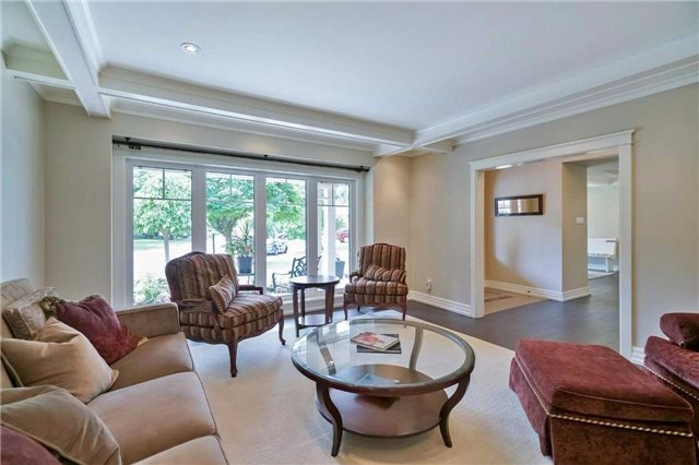 Detached at 215 Weybourne Rd, Oakville, Ontario. Image 20