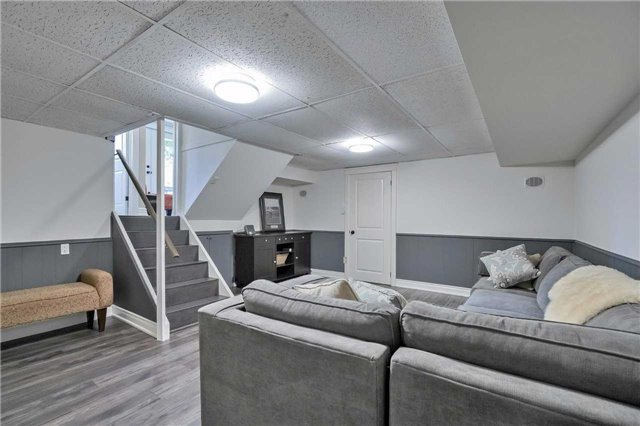 Detached at 215 Weybourne Rd, Oakville, Ontario. Image 8