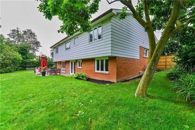 Detached at 215 Weybourne Rd, Oakville, Ontario. Image 10