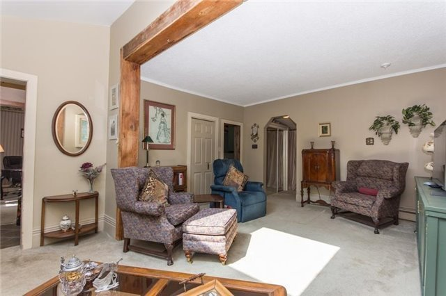 Detached at 812 Forks Of The Credit Rd, Caledon, Ontario. Image 2