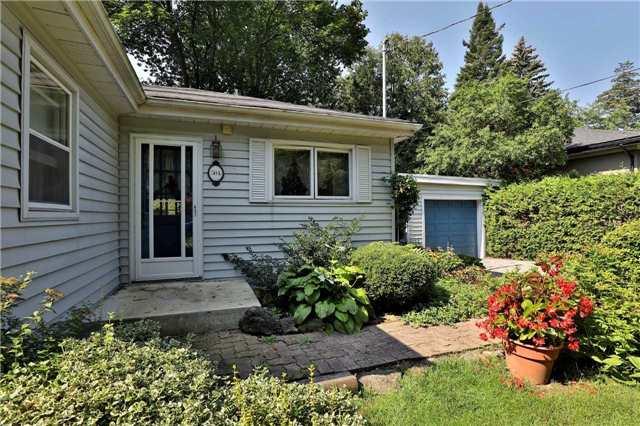 Detached at 504 Chamberlain Lane, Oakville, Ontario. Image 11