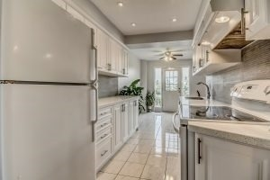 Condo Townhouse at 455 Apache Crt, Unit #37, Mississauga, Ontario. Image 17