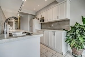 Condo Townhouse at 455 Apache Crt, Unit #37, Mississauga, Ontario. Image 18