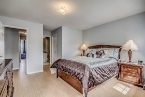 Condo Townhouse at 455 Apache Crt, Unit #37, Mississauga, Ontario. Image 6