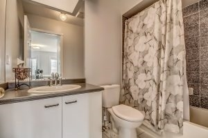 Condo Townhouse at 455 Apache Crt, Unit #37, Mississauga, Ontario. Image 7