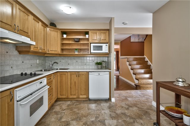 Condo Detached at 1835 Hyde Mill Cres, Mississauga, Ontario. Image 18
