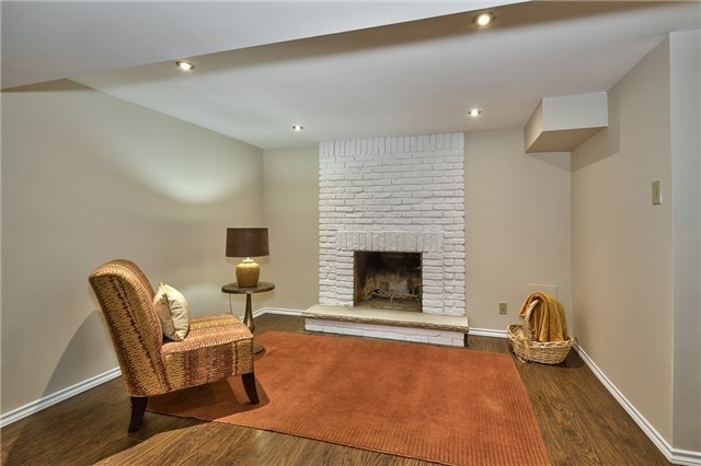 Condo Detached at 1835 Hyde Mill Cres, Mississauga, Ontario. Image 5