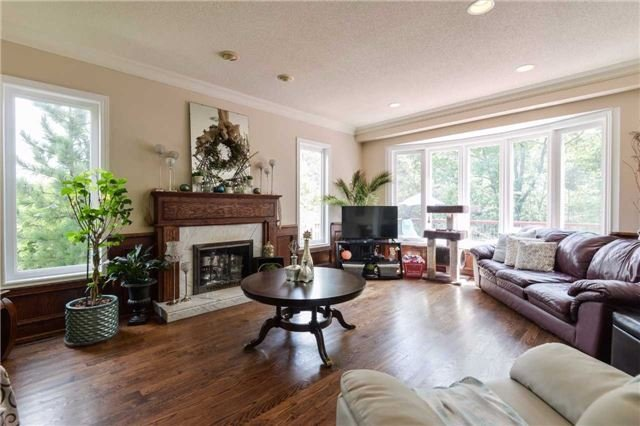 Detached at 2760 Rainbow Cres, Mississauga, Ontario. Image 15