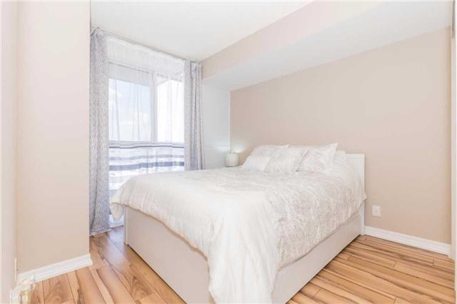 Condo Apartment at 1940 Ironstone Dr, Unit 606, Burlington, Ontario. Image 15