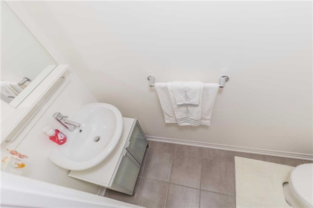 Condo Apartment at 1940 Ironstone Dr, Unit 606, Burlington, Ontario. Image 2