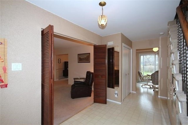 Detached at 2514 Woburn Cres, Oakville, Ontario. Image 14