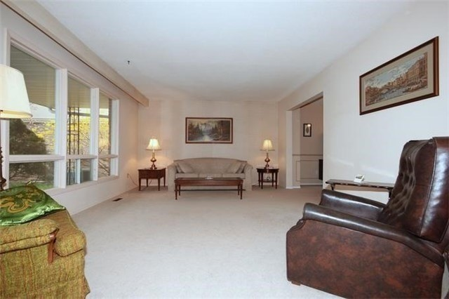 Detached at 2514 Woburn Cres, Oakville, Ontario. Image 15