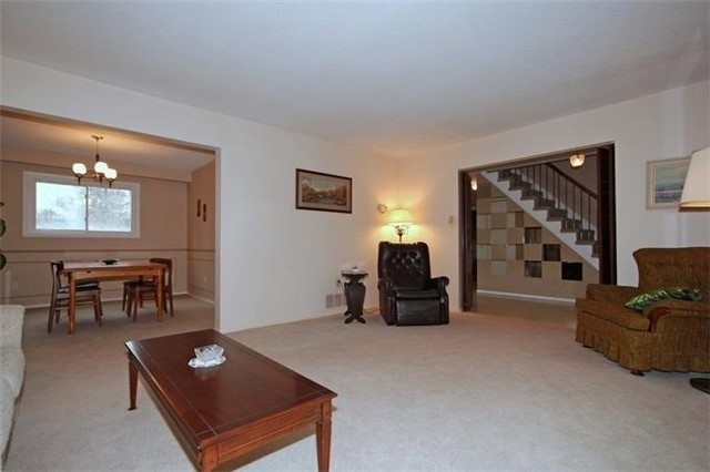 Detached at 2514 Woburn Cres, Oakville, Ontario. Image 16