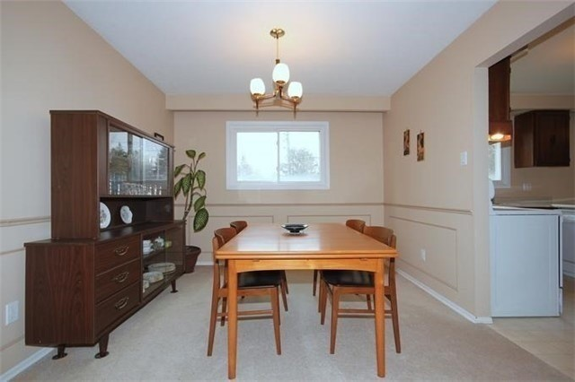 Detached at 2514 Woburn Cres, Oakville, Ontario. Image 17