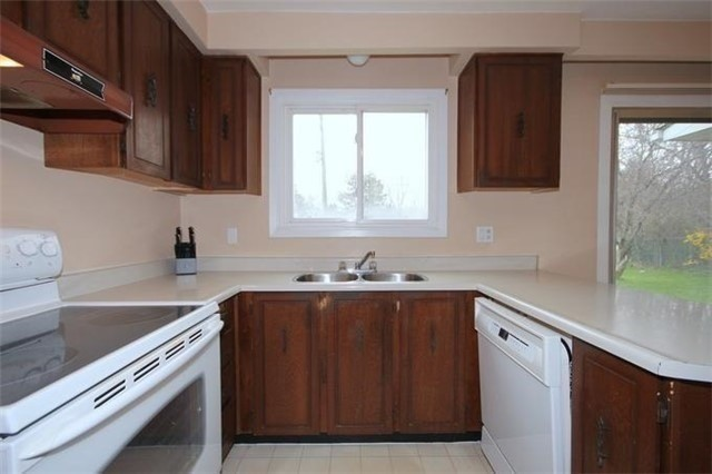 Detached at 2514 Woburn Cres, Oakville, Ontario. Image 18