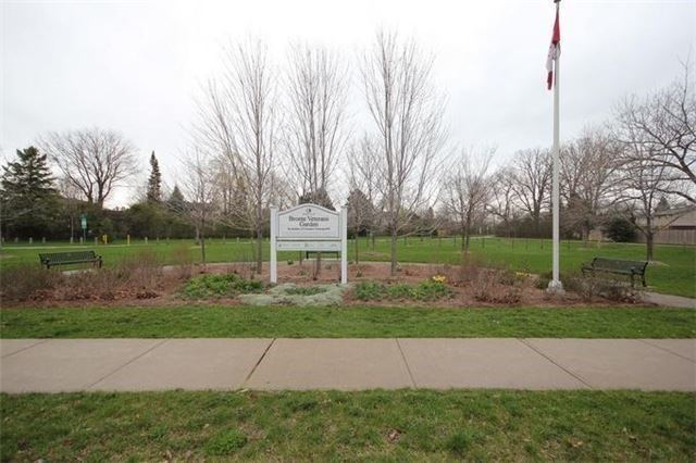 Detached at 2514 Woburn Cres, Oakville, Ontario. Image 13