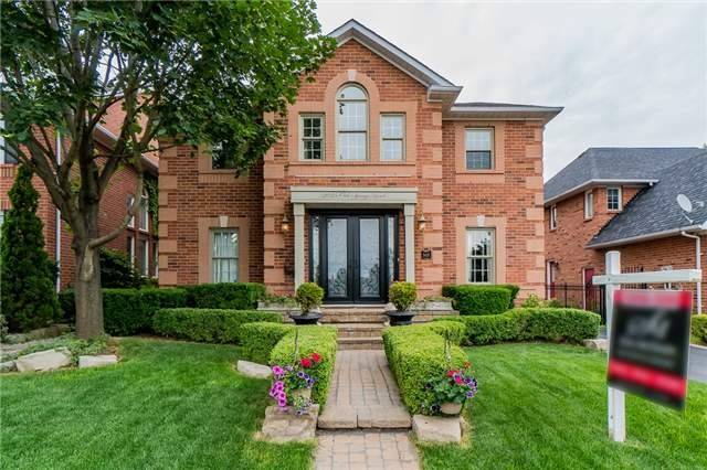 Detached at 2025 Oak Springs Rd, Oakville, Ontario. Image 1