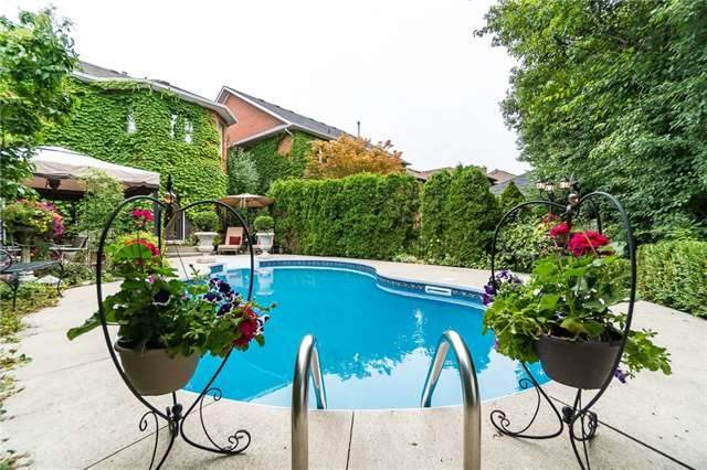 Detached at 2025 Oak Springs Rd, Oakville, Ontario. Image 14