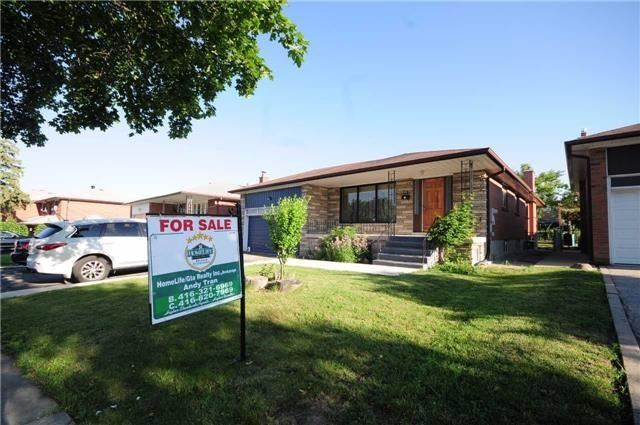 Detached at 63 Bartel Dr, Toronto, Ontario. Image 8