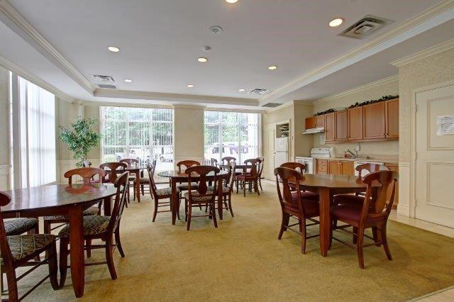Condo Apartment at 442 Maple Ave, Unit 503, Burlington, Ontario. Image 9