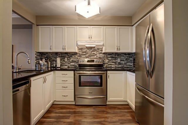 Condo Apartment at 442 Maple Ave, Unit 503, Burlington, Ontario. Image 10