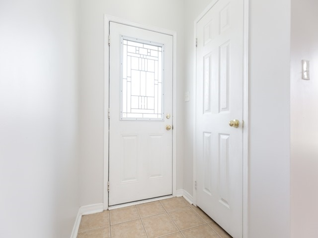 Semi-detached at 2 Flurry Circ, Brampton, Ontario. Image 14