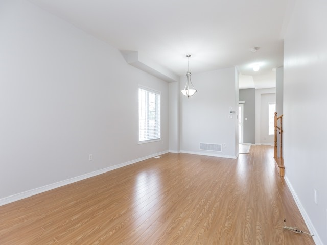 Semi-detached at 2 Flurry Circ, Brampton, Ontario. Image 15