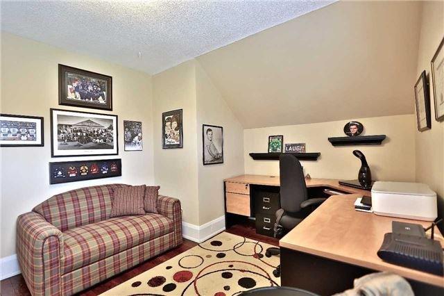 Detached at 215 Morden Rd, Oakville, Ontario. Image 6
