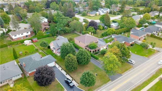 Detached at 215 Morden Rd, Oakville, Ontario. Image 11