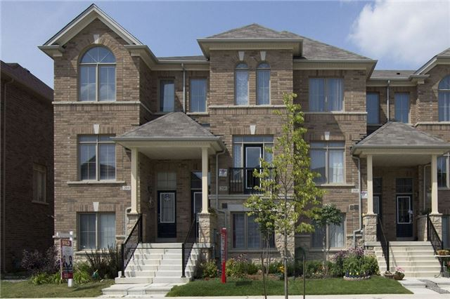 Townhouse at 206 Inspire Blvd, Brampton, Ontario. Image 1
