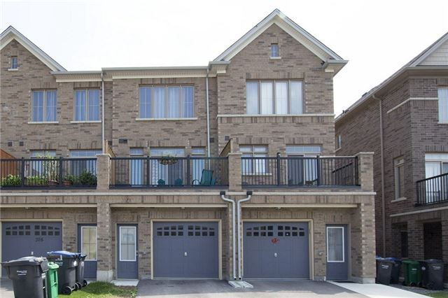 Townhouse at 206 Inspire Blvd, Brampton, Ontario. Image 13