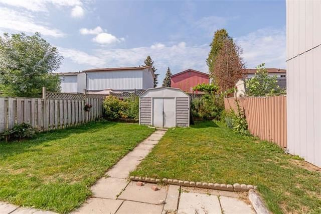 Detached at 13 Greenbush Crt, Brampton, Ontario. Image 8