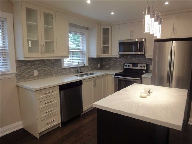 Semi-detached at 2413 Padstow Cres, Mississauga, Ontario. Image 1