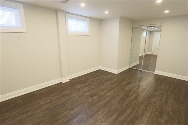 Semi-detached at 2413 Padstow Cres, Mississauga, Ontario. Image 5