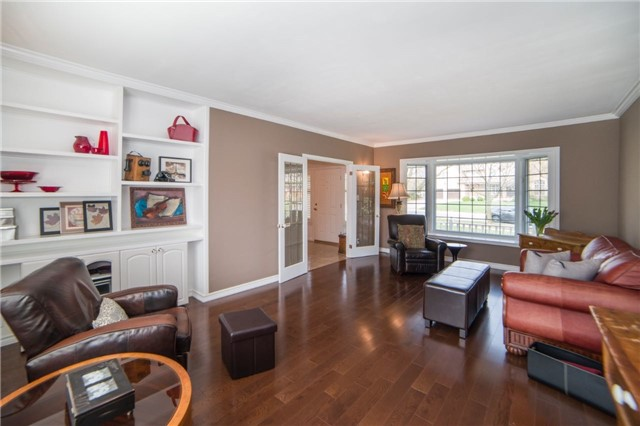 Detached at 2442 Thorn Lodge Dr, Mississauga, Ontario. Image 15