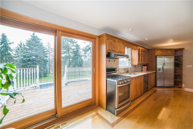 Detached at 2442 Thorn Lodge Dr, Mississauga, Ontario. Image 16