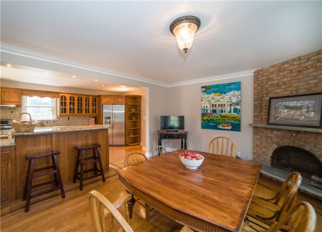 Detached at 2442 Thorn Lodge Dr, Mississauga, Ontario. Image 18