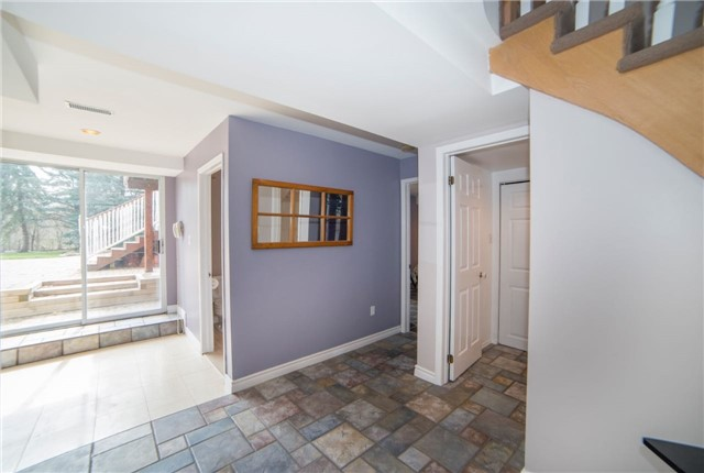 Detached at 2442 Thorn Lodge Dr, Mississauga, Ontario. Image 6