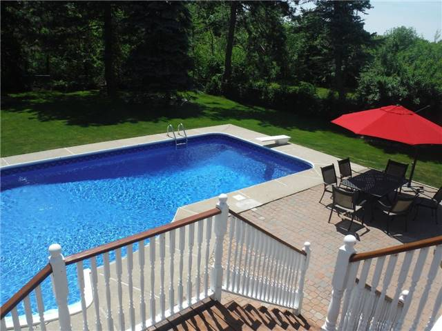 Detached at 2442 Thorn Lodge Dr, Mississauga, Ontario. Image 10