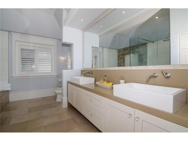 Detached at 462 Bellwood Ave, Oakville, Ontario. Image 2