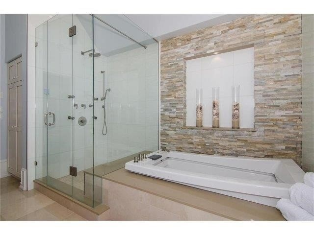Detached at 462 Bellwood Ave, Oakville, Ontario. Image 3