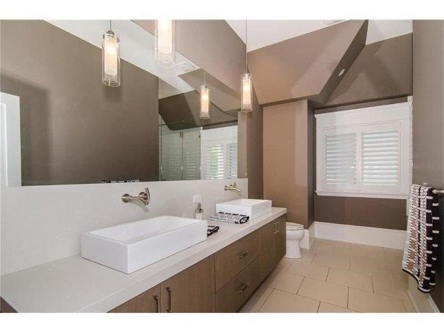 Detached at 462 Bellwood Ave, Oakville, Ontario. Image 5