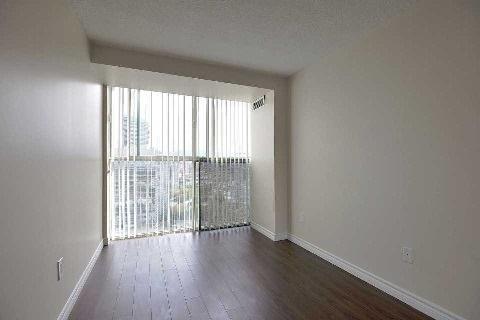 Condo Apartment at 4205 Shipp Dr, Unit 2009, Mississauga, Ontario. Image 5