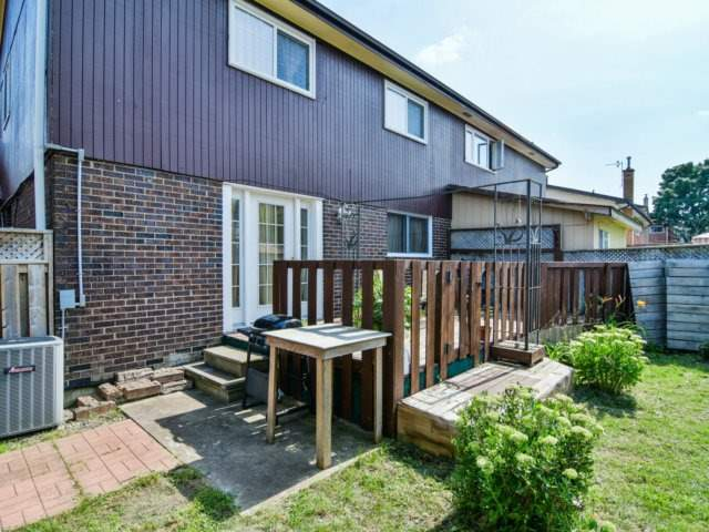 Semi-detached at 22 Lamont Pl, Brampton, Ontario. Image 11