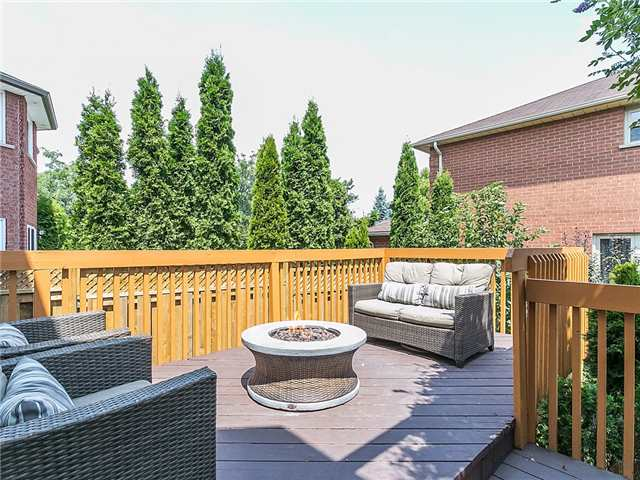 Detached at 3281 Loyalist Dr, Mississauga, Ontario. Image 10