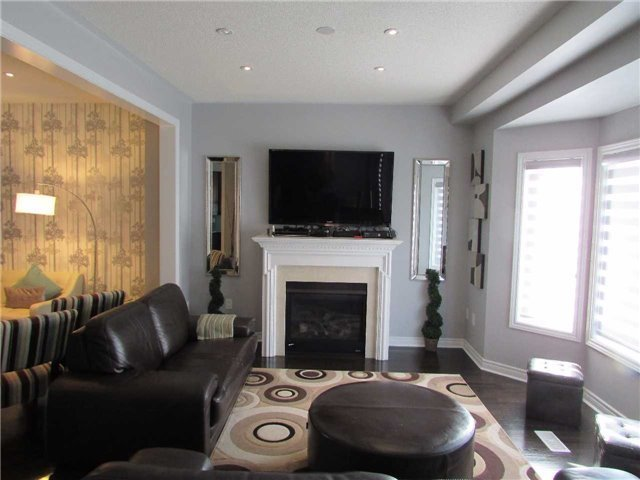 Detached at 1437 Laurier Ave, Milton, Ontario. Image 16