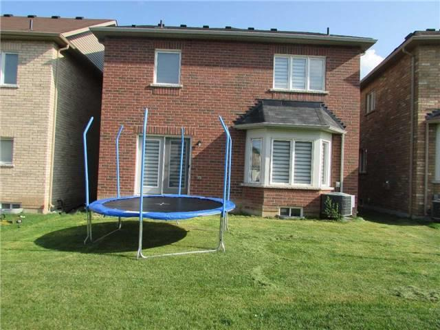 Detached at 1437 Laurier Ave, Milton, Ontario. Image 10