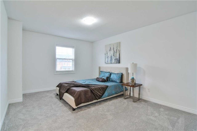 Semi-detached at 5458 Tenth Line, Mississauga, Ontario. Image 20