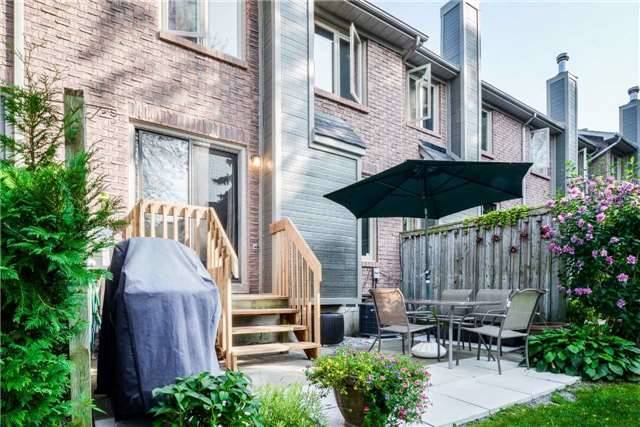Condo Townhouse at 3100 Fifth Line, Unit 18, Mississauga, Ontario. Image 8